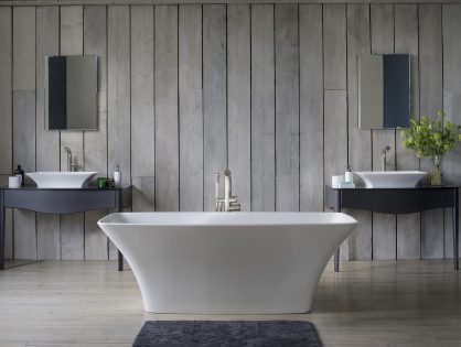 Удобная ванна Victoria&Albert