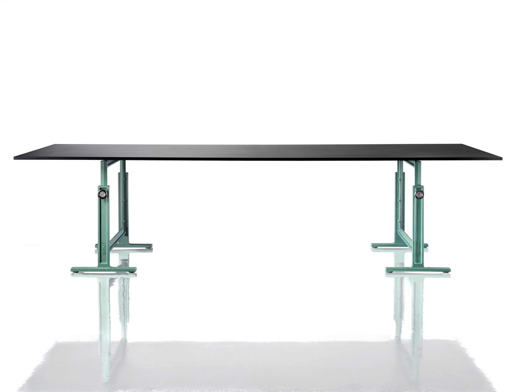 BRUT Rectangular table Magis
